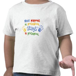 O que acontece no pré-escolar camisetas