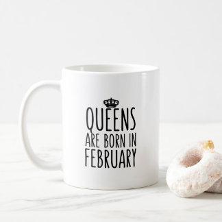 O Queens é em fevereiro caneca de café nascida