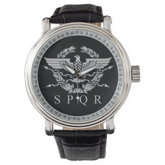 O relógio do emblema do império romano