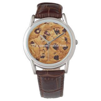 O relógio dos homens do biscoito dos pedaços de
