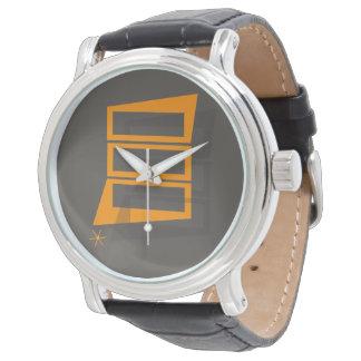 O relógio retro dos homens do estilo do vintage do