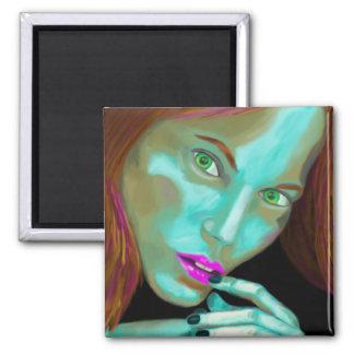 O retrato da mulher bonita em cores fluorescentes ímã quadrado