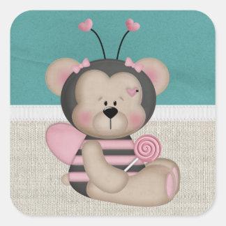O rosa adorável Bumble o urso da abelha Adesivo Quadrado