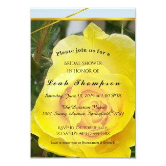 O rosa amarelo com ouro listra o cartão do chá de