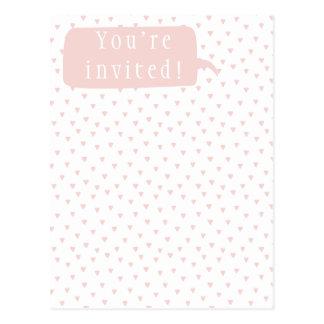 O rosa bonito polvilha o cartão do convite do