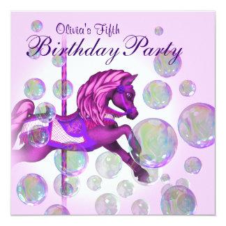 O rosa borbulha festa de aniversario de meninas do convite quadrado 13.35 x 13.35cm