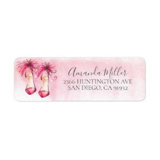 O rosa chique coloca saltos a etiqueta de endereço