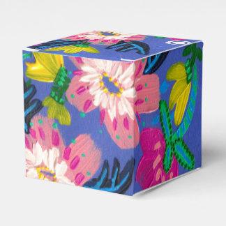 O rosa floresce caixa quadrada clássica do favor