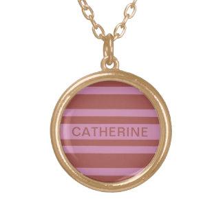 O rosa/framboesa listra a colar conhecida feita
