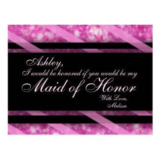 O rosa quente, enegrece a madrinha de casamento de cartão postal