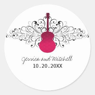 O rosa quente roda etiquetas do casamento da guita adesivos em formato redondos