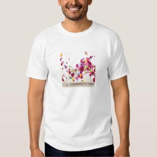 O rosa roxo floresce redemoinhos da borboleta t-shirts