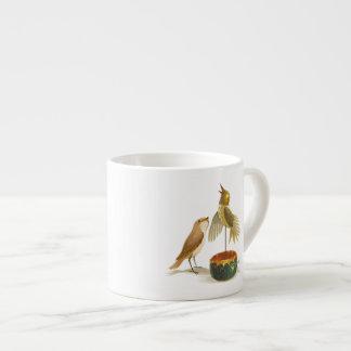 O rouxinol xícara de espresso