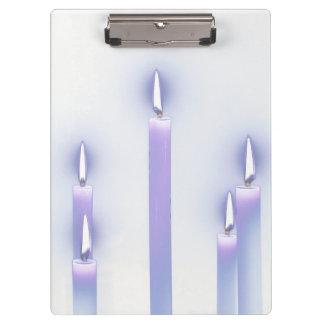 O roxo Candles a prancheta