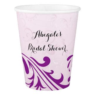 O roxo personalizou copos da bebida do partido de