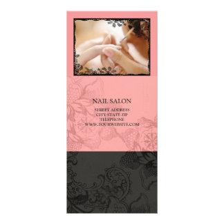 O salão de beleza do prego presta serviços de manu panfleto personalizado