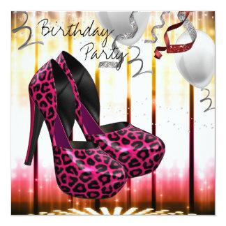 O salto alto do leopardo calça a festa de convite quadrado 13.35 x 13.35cm