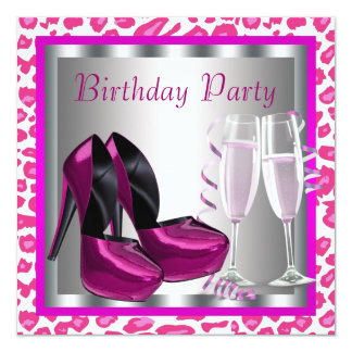 O salto alto do rosa quente calça o aniversário do convite quadrado 13.35 x 13.35cm