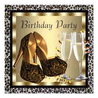 O salto alto dos cocktail calça o aniversário do l convite personalizado