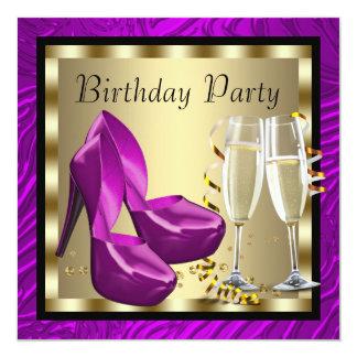 O salto alto dos cocktail calça o aniversário roxo convite quadrado 13.35 x 13.35cm