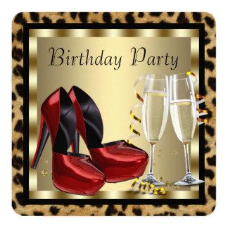 O salto alto vermelho calça o aniversário do convite quadrado 13.35 x 13.35cm
