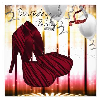 O salto alto vermelho da zebra calça a festa de an convite