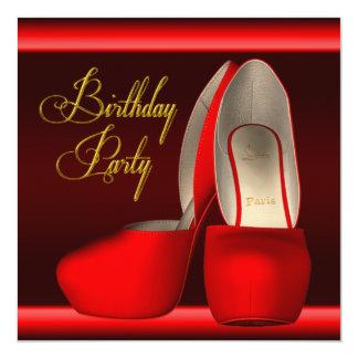 O salto alto vermelho do ouro preto calça a festa convite quadrado 13.35 x 13.35cm