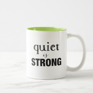 O silêncio É forte + Caneca introvertida super