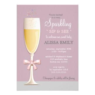 O sorvo novo Sparkling do bebé e vê o convite