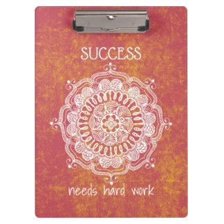O sucesso precisa a prancheta do trabalho duro