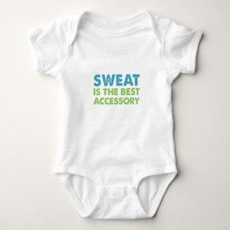 O suor é o melhor acessório body para bebê