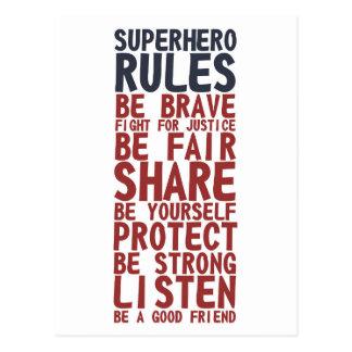 O super-herói ordena o cartão da frase do design