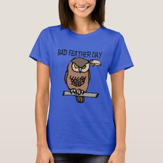 O t-shirt básico das mulheres más do dia da pena camiseta