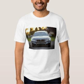 O t-shirt básico dos homens do CARRO de ESPORTES