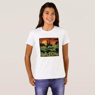 O t-shirt da menina de Barcelona Camiseta