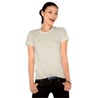 O t-shirt da mulher idosa bonita do suporte do
