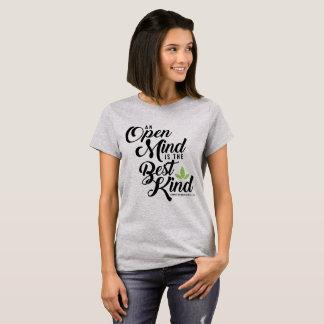 O t-shirt das mulheres da mente aberta de camiseta