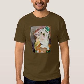 O t-shirt de transpiração das cores escuras dos