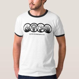 O t-shirt do estar aberto