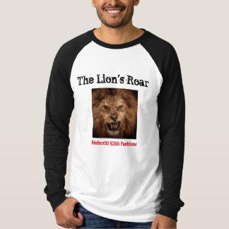 O t-shirt do rugido do leão por formas de camiseta