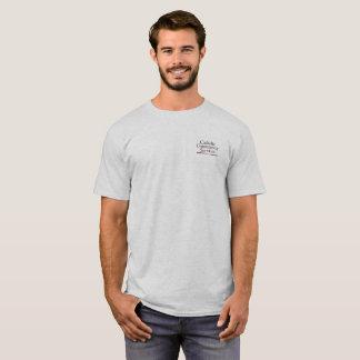 O t-shirt dos homens católicos dos serviços camiseta