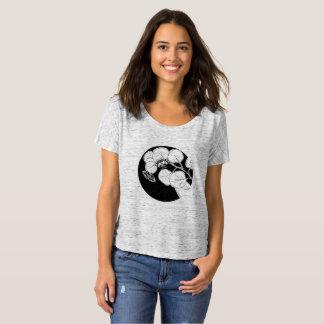 O t-shirt Slouchy das mulheres da traça da lua Camiseta