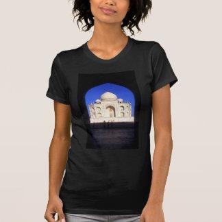 O Taj Mahal em Agra India Tshirts