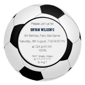 O tema do futebol do partido dos esportes convite quadrado 13.35 x 13.35cm