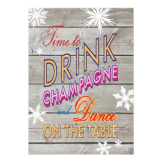 O tempo de ano novo colorido beber Champagne Convites Personalizados