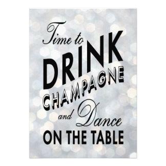 O tempo de ano novo de prata beber Champagne Convite Personalizados