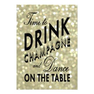 O tempo de ano novo do ouro beber o convite de