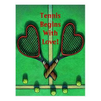 O tênis dos jogadores dos esportes do cartão