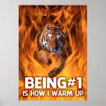 O tigre que salta através das chamas pôsteres