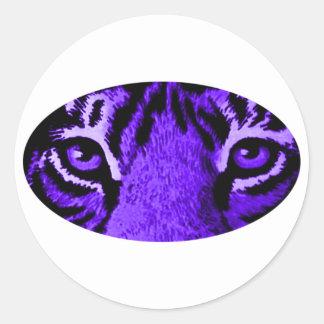 O tigre roxo Eyes o jGibney O MUSEU Zazzle Adesivos Redondos